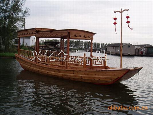 高低蓬观光船